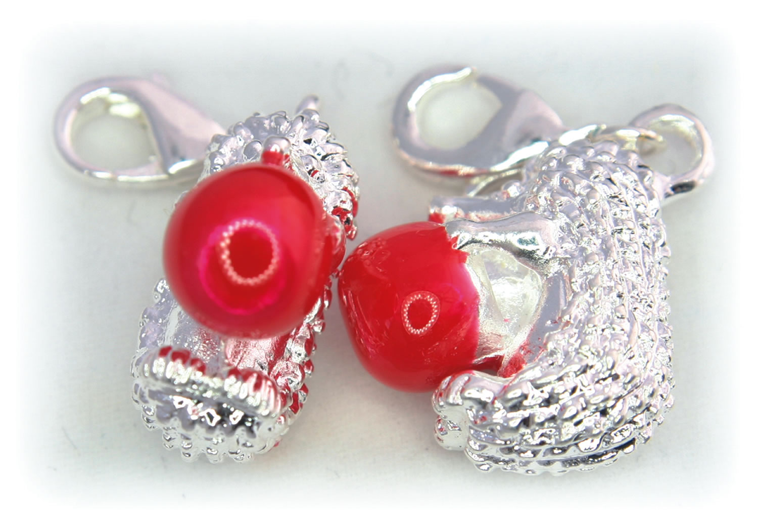 Example of light cube and rign light photograph of jewellery